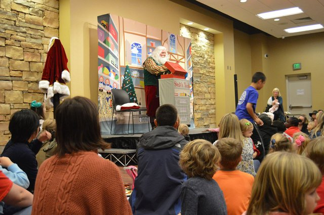 VV-EVENT-LibraryChristmas-14.jpg