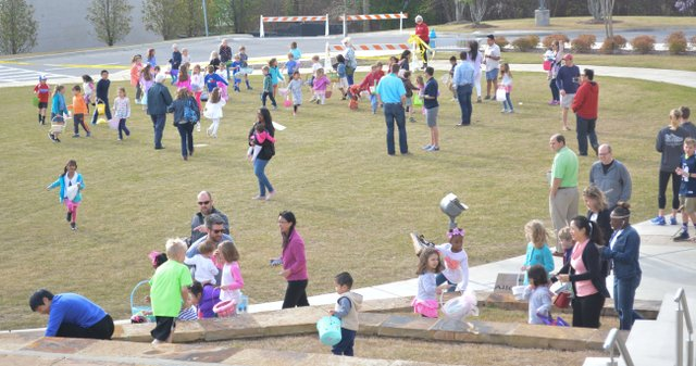 Egg Hunt in the Hills_-7.jpg