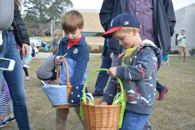 Egg Hunt in the Hills_-9.jpg
