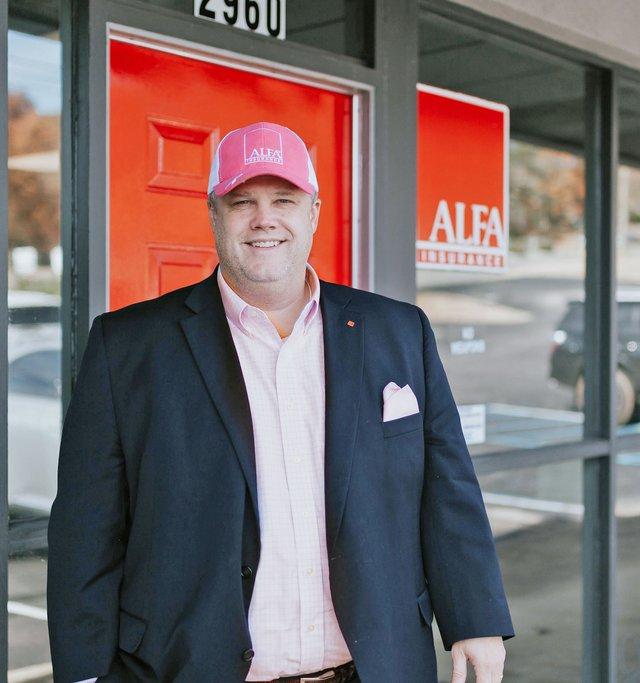 VV-FEAT-Real-Men-Wear-Pink.jpg