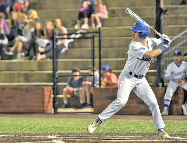 VV-SPORTS-Vestavia-baseball-feature2.jpg