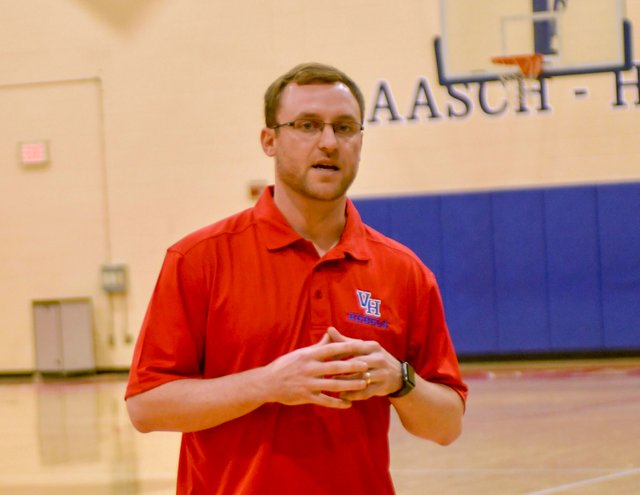 VV-SPORTS-Vestavia-girls-basketball-coach-1.jpg