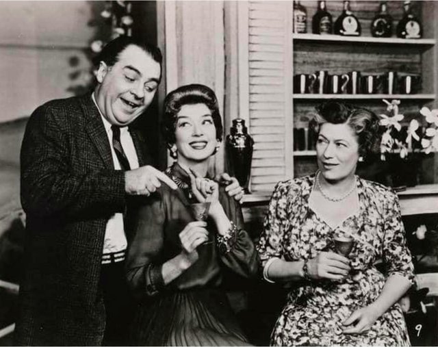 VV-FEAT-Broadway-by-Broadway-Walter-Klavun-Rosalind-Russell-Dorothy-Blackburn-OBC-Auntie-Mame-1956.jpg