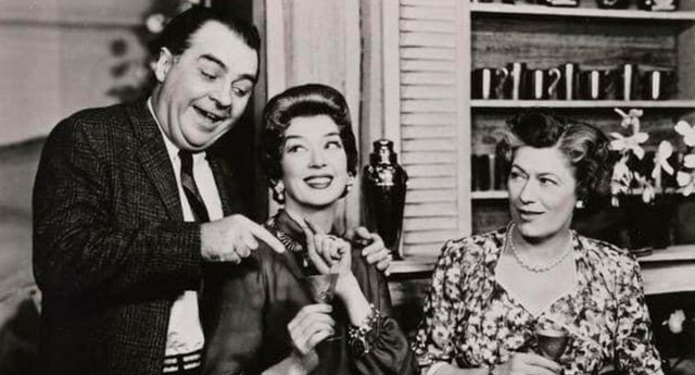 VV-FEAT-Broadway-by-Broadway-Walter-Klavun-Rosalind-Russell-Dorothy-Blackburn-OBC-Auntie-Mame-1956.jpg