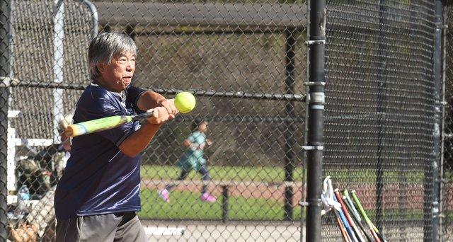 VV-SPORTS-Senior-softball-EN02.jpg