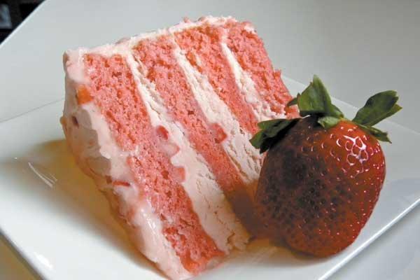 RESTAURANT-Ashley-Mac's-Strawberry-Cake.jpg
