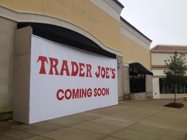 Trader's Joe's Sign