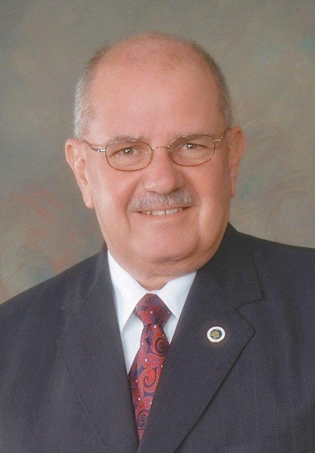 Mayor Alberto Zaragoza