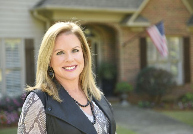 Amy-Lawson,-Realty-South-Agent---Women-of-Vestavia-Hills.jpg