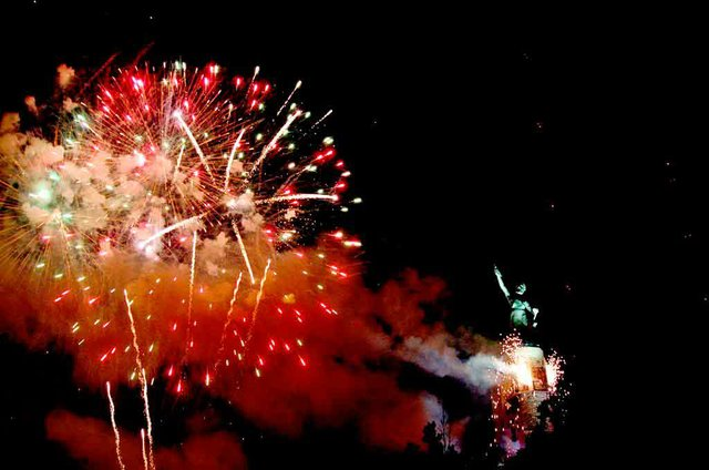STAR-COMM-fourth-of-july-fireworks-2.jpg