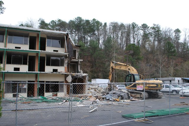 Vestavia Hills Motor Lodge demolition