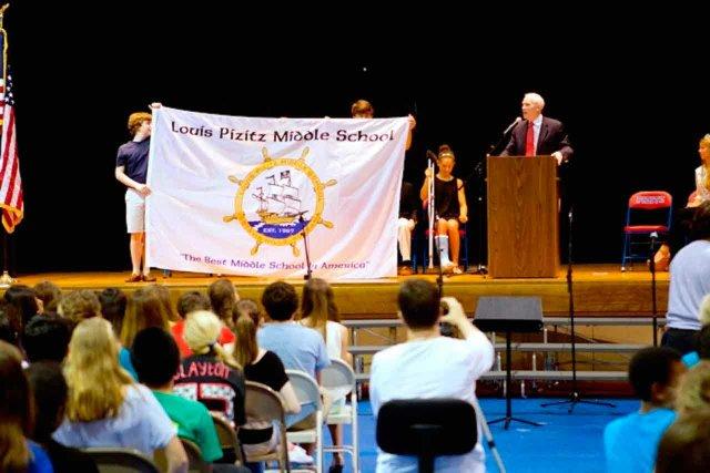 0614 Pizitz middle school flag