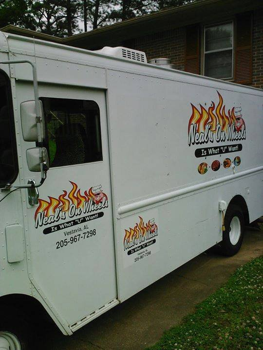 Council approves food truck ordinance receives energy for Food bar in cahaba heights