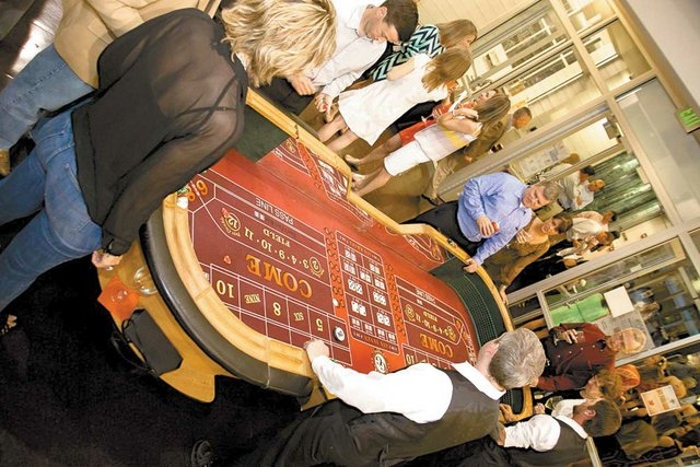 Casino Royale Craps Table