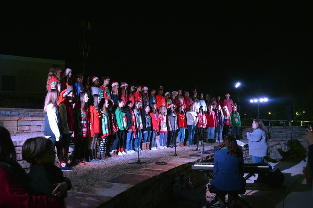 VV-EVENT-2017TreeLighting-38.jpg