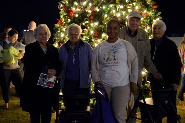 VV-EVENT-2017TreeLighting-39.jpg